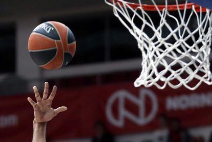 El Baskonia cuenta con 16 jugadores para intentar asaltar el título de la ACB