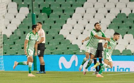 Al fin Bartra marcó un gol para ganar.