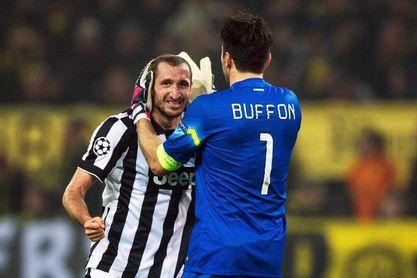 Buffon y Chiellini renuevan por una temporada más con el Juventus