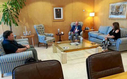Villalobos, Rodríguez y Argota, durante la reunión.