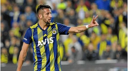 Isla llegaría gratis tras terminar contrato con el Fenerbahçe.