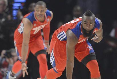Las estrellas de los Rockets, Harden y Westbrook, viajarán a Orlando por su cuenta