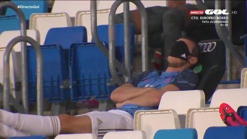 """Bale se pasa al """"Siesta.Golf.Madrid"""" durante el Madrid-Alavés."""