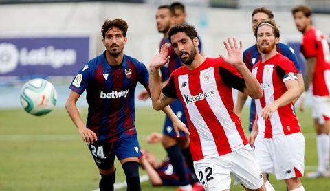1-2. Raúl García mantiene viva la llama europea del Athletic