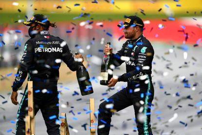 Hamilton volvió a brillar, Bottas sigue líder y Sainz marcó la vuelta rápida