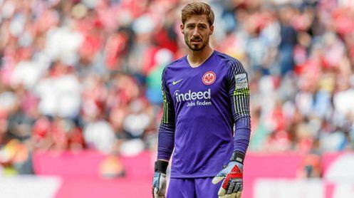 Trapp no quiere salir del Eintracht a pesar del deseo del club de hacer caja.