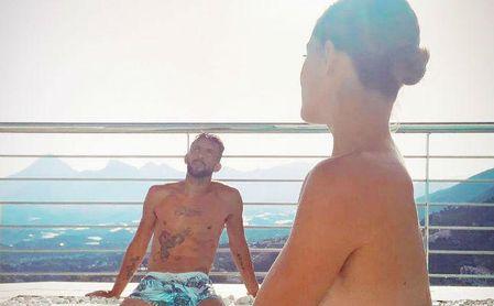 Mauricio Isla reflexiona sobre su elección en Altea (Alicante), la localidad natal de su pareja, la modelo Gala Caldirola.