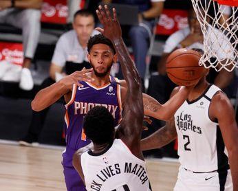 117-115. Booker y Rubio dan a Suns tercer triunfo seguido en lucha a playoffs
