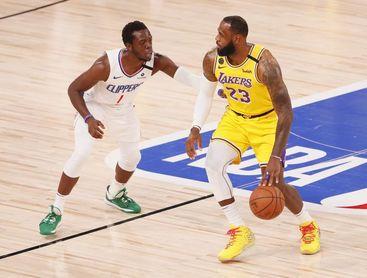 James será baja ante los Rockets y se une a la enfermería que tienen los Lakers