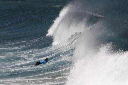 Arran Strong consigue la mejor ola de la mañana en el Pantín Classic