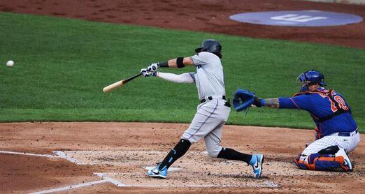 4-0. Rojas empuja un par de carreras en el triunfo de los Marlins sobre los Mets
