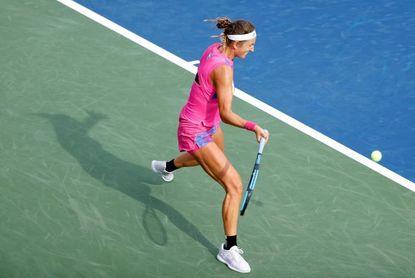 Azarenka acaba con racha ganadora de Jabeur y jugará las semifinales