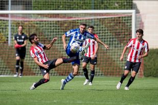 2-1. El Athletic logra ante el Alavés su primera victoria de la pretemporada