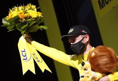 Lutsenko conquista en solitario el Mont Aigoual, Yates sigue de amarillo