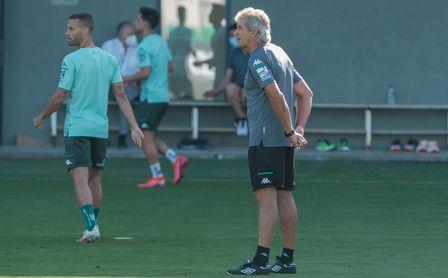 Pellegrini se sincera sobre Bravo, el Betis, el mercado y su futuro -  Estadio deportivo
