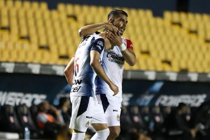 1-3. El Guadalajara sorprende a los Tigres en su propio estadio