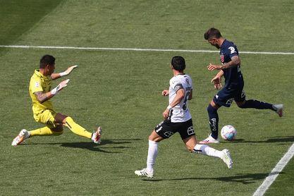 La U de Chile y el Colo Colo igualan a un tanto en un discreto superclásico