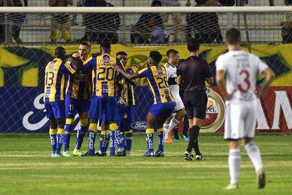 Liga, Católica, Barcelona e Independiente atados por un cupo a Libertadores