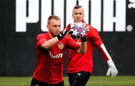 Cillessen y Jason, bajas para el debut liguero ante el Levante