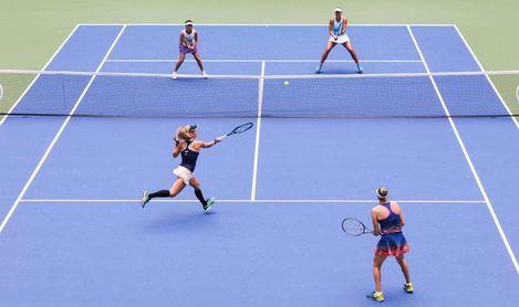 La pareja debutante de Siegemund y Zvonareva gana los dobles femeninos del Abierto de EE.UU.