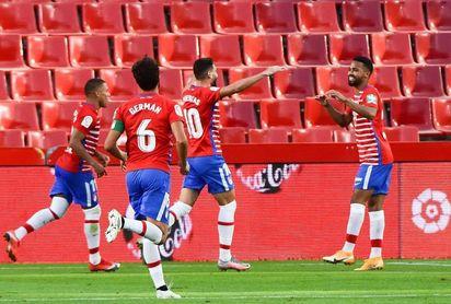 El venezolano Herrera (Granada) marca el primer gol de la temporada 2020/2021