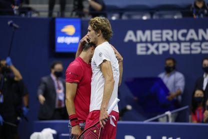 Thiem remonta dos sets ante Zverev y se proclama campeón del Abierto
