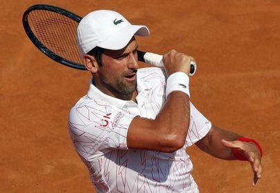 Djokovic debuta con un cómodo triunfo en Roma tras su descalificación en EEUU