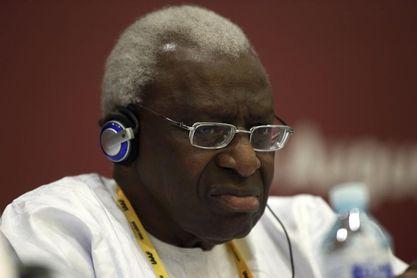 El expresidente de la IAAF Lamine Diack condenado a cuatro años en Francia