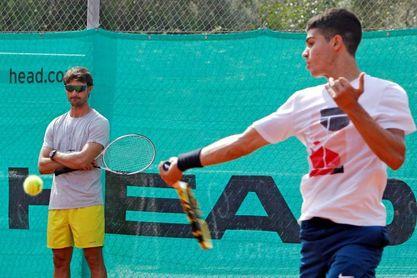 La joya del tenis español Carlos Alcaraz viaja a París, su primer Grand Slam
