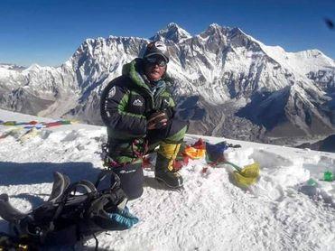 El Himalaya nepalí recibe a los primeros montañeros tras 6 meses de pandemia