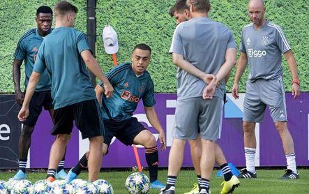 El Barça acuerda con el Ajax fichar a Sergiño Dest, según la prensa neerlandesa
