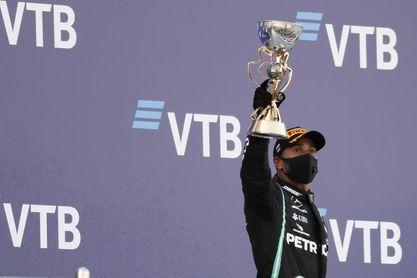Bottas y el caos retrasan la cita de Hamilton con Schumacher