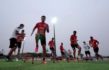 'El Tanque' Bobadilla refuerza la delantera paraguaya contra Perú y Venezuela