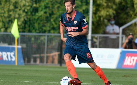Genaro, durante un partido con el Sevilla FC de esta pretemporada.