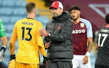 Klopp no duda en arropar a Adrián tras encajar siete goles.