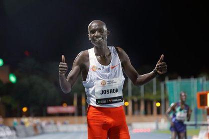 Cheptegei bate el mítico récord de Bekele en los 10.000 metros lisos