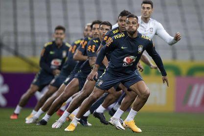 Neymar se recupera y saldrá de inicio ante Bolivia