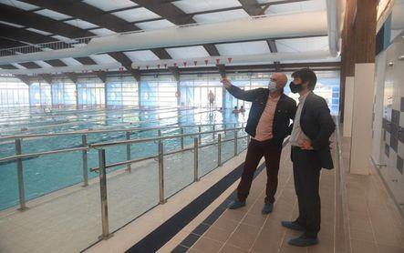 La piscina municipal de Alcosa estrena cubierta