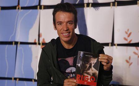 Urán presenta su libro 'Rigo' y confirma que volverá a pasar por el quirófano.