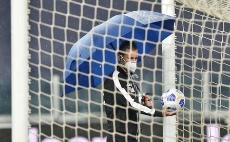 Derrota por 3-0 y 1 punto penalización al Nápoles por no jugar con Juventus.