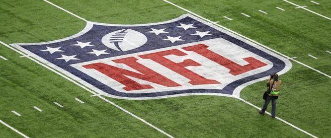 """Jefe médico de la NFL se opone a que el campeonato se juegue en una """"burbuja"""""""
