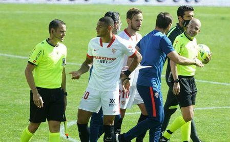 Lopetegui admite los errores del Sevilla, pero se queja del árbitro y del césped de Granada