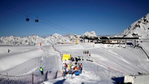 Los rusos no compiten en el gigante de Sölden por positivo de sus técnicos