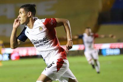 Uriel Antuna advierte que cierre de Chivas servirá para dar miedo a rivales