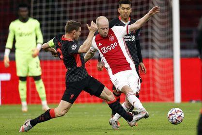 0-1. El Liverpool conquista Amsterdam con un gol en propia puerta del Ajax