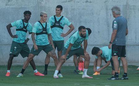 Emerson, Juanmi y Guardado, ausencias en el entrenamiento del Betis.