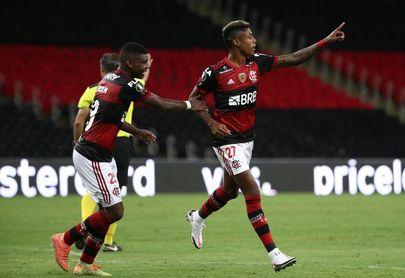 3-1. Flamengo, el campeón, vence al Junior y termina como primero en su grupo
