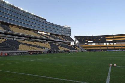Peñarol y Nacional no jugarán este fin de semana por incumplir medidas contra la covid-19