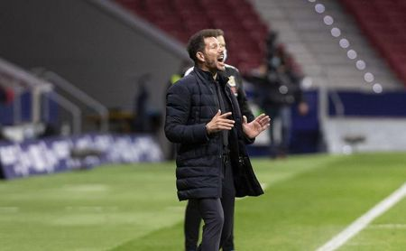 Simeone, en la banda del Wanda Metropolitano.