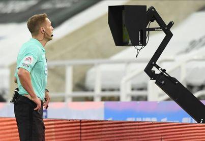 El inglés Pawson dirigirá el Real Sociedad-Nápoles
